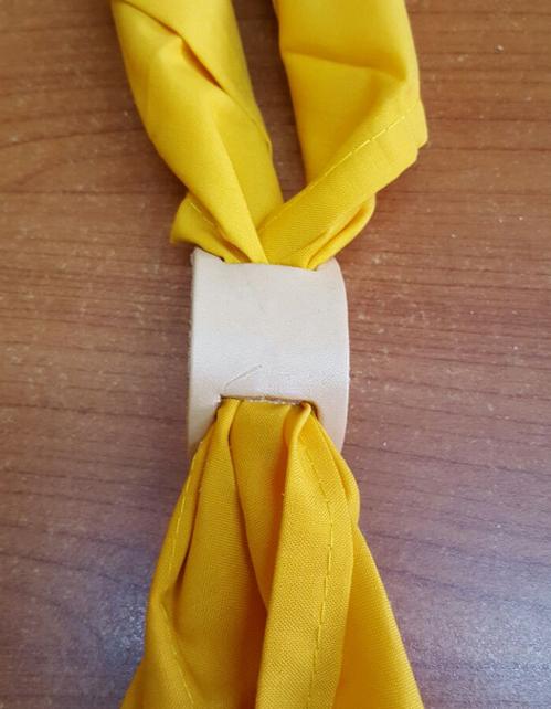 Ferma fazzolettone cuoio doppio taglio